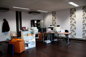 Beautify your office with the right flooring materials.